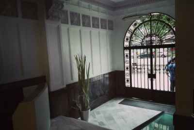 Apartment for renovation in prestigious area of Barcelona